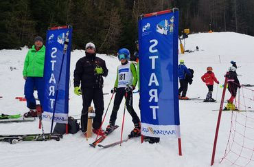Young skiers of the three countries at the race in Kranjska Gora