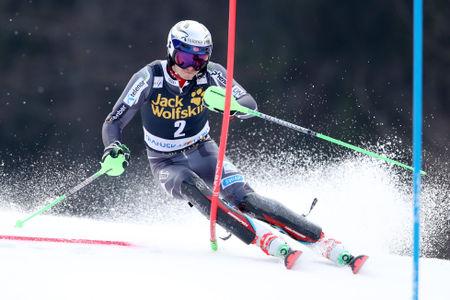 Henrik Kristoffersen vodi po prvi vožnji slaloma