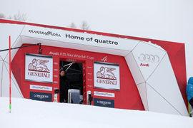 Priprava slalom proge / Slalom track preparations